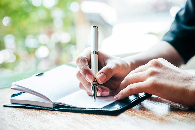 writing-journals-or-memoirs.jpg